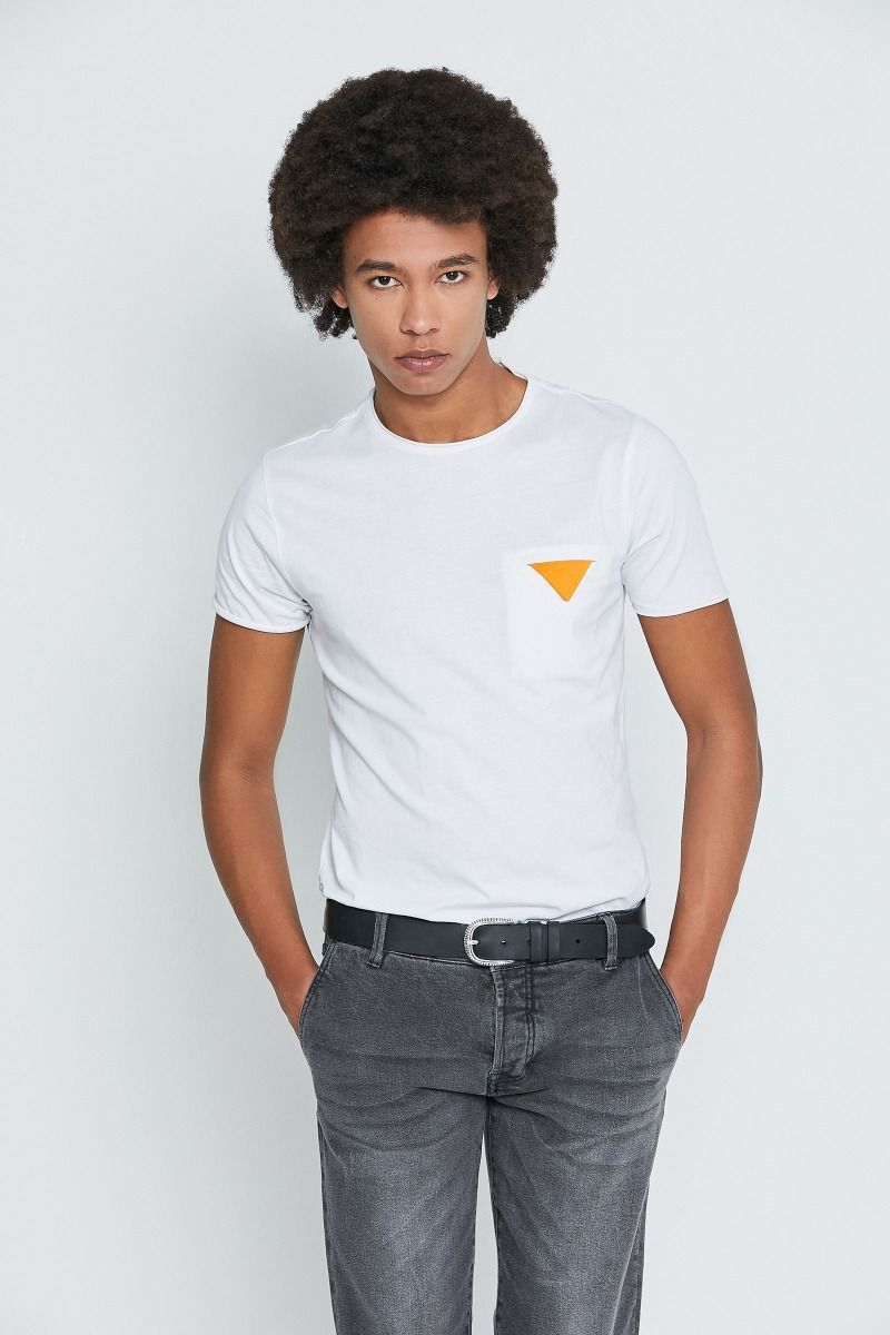 T-shirt con pochette
