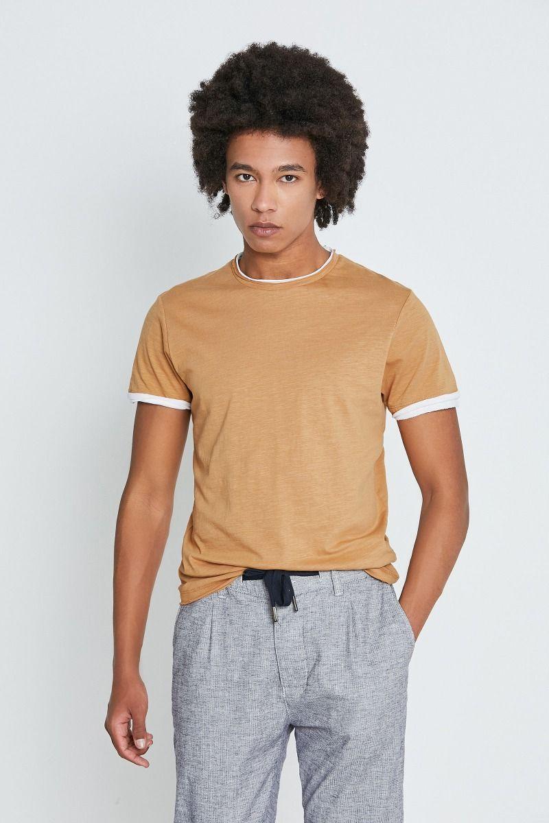 T-shirt bordi a contrasto