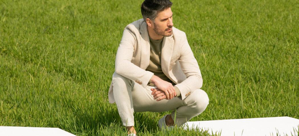 Outfit Maschile: cosa indossare con un pantalone beige?
